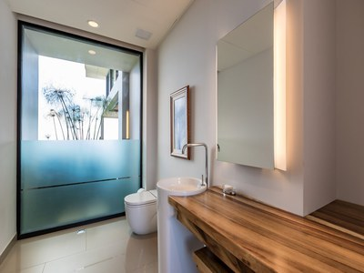 Toilette in Elegant House for Sale in Puntarenas, Costa Rica