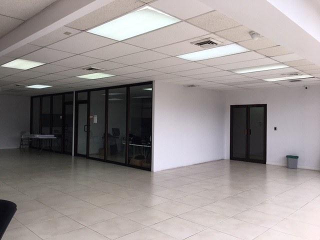 Alquiler  oficina en oficentro la Sabana San Jose