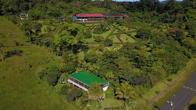 Beautiful Mountain Hotel in Bijagua - Fully Equipped and Currently Operating