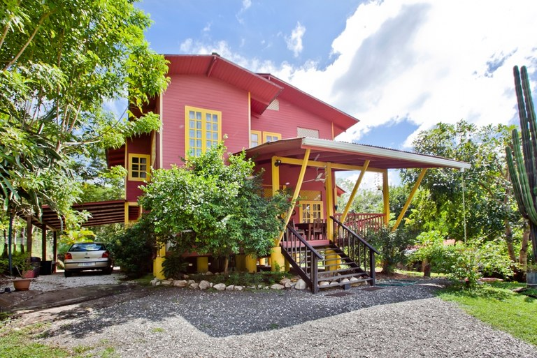 2 Casas 4 Cabinas: possible B&B; close to Tamarindo