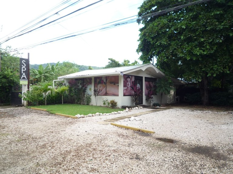 Commercial Property for Sale in Coco Beach (Across the Boulevard)