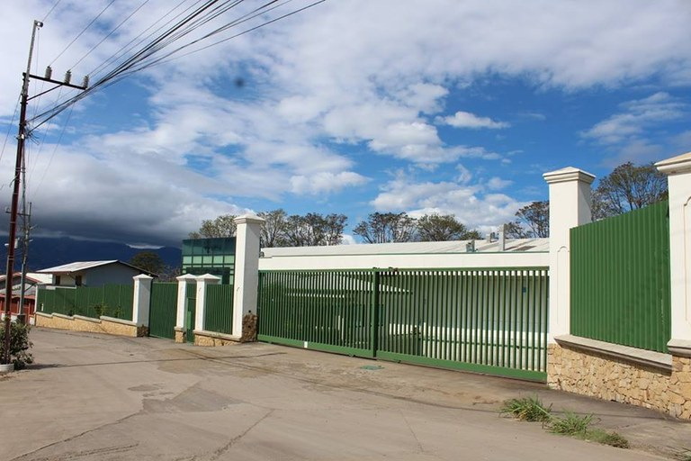 Excellent commercial opportunity in Heredia: Modern and sophisticated building for sale, used as pharmaceutical production center!