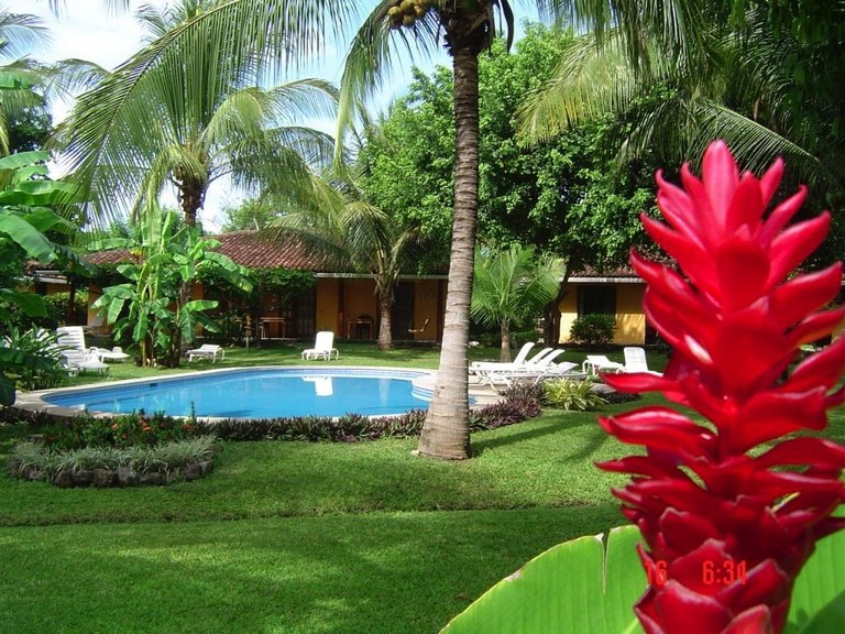 Bahia Esmeralda Hotel: Near the Coast Hotel/Resort/Hostel For Sale in Playa Potrero