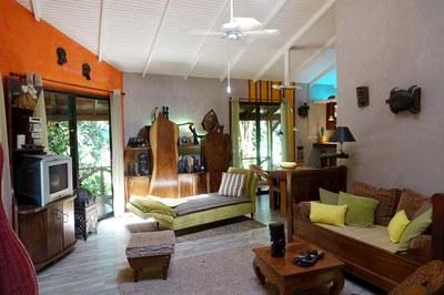 Lounge - 4.JPG