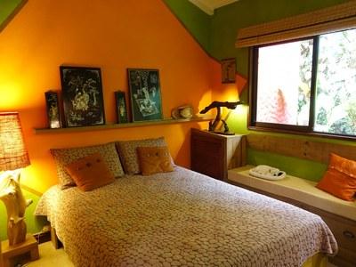 Guest bedroom - 2.JPG