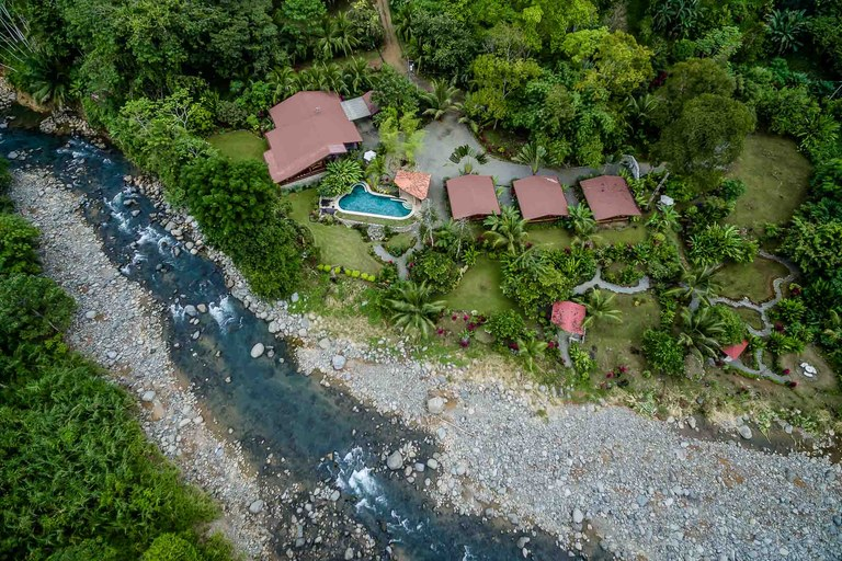 Boutique Riverside Resort: This is a fantastic business opportunity in the beautiful and growing area of Uvita that will provide a peaceful and relaxing lifestyle as well.