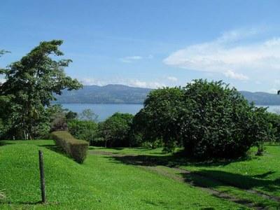 Spectacular lake view lot