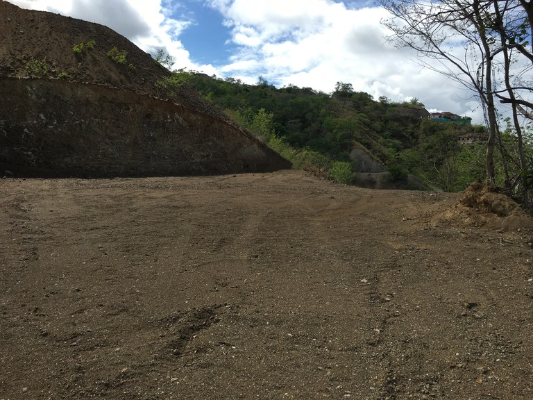 La marcela lot 2 build your dream home on this premium for Build on your lot louisiana