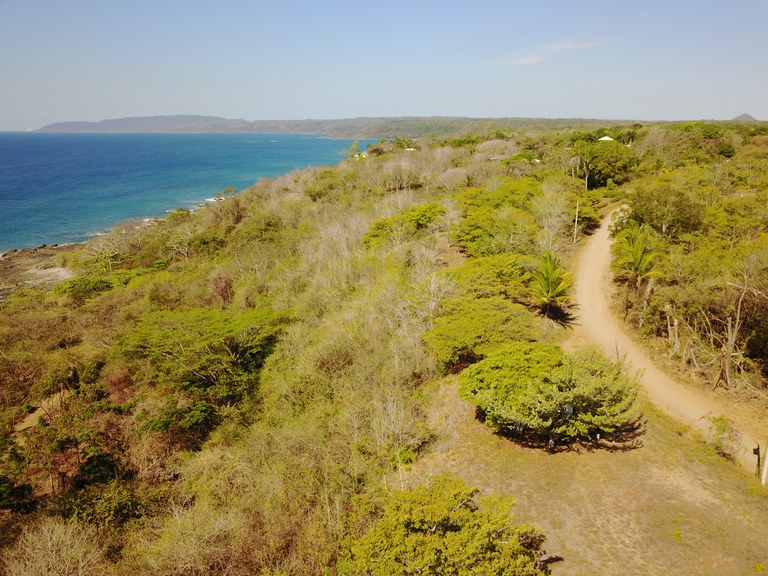 ATTENTION INVESTORS !!: Stunning beachfront lot for sale in Cobano, Puntarenas, located in a high-demand area!