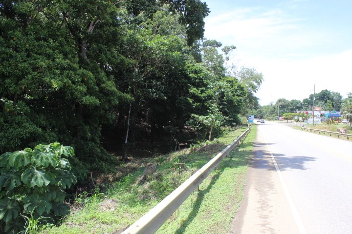 Commercial 100 meters highway frontage!