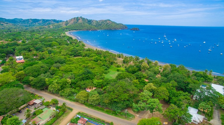 Valverde Beach Lot: Oceanfront Property For Sale in Playas del Coco