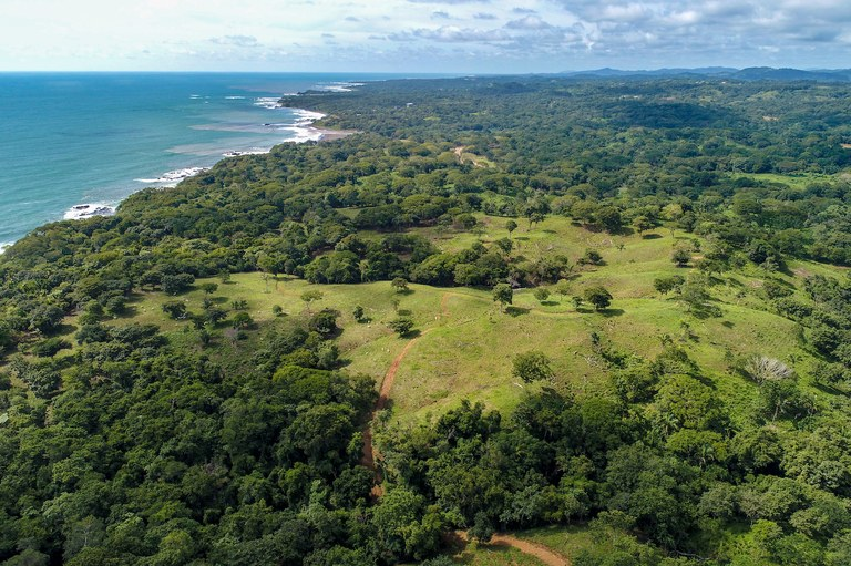 San Juanillo: Development Property with Beachfront Access