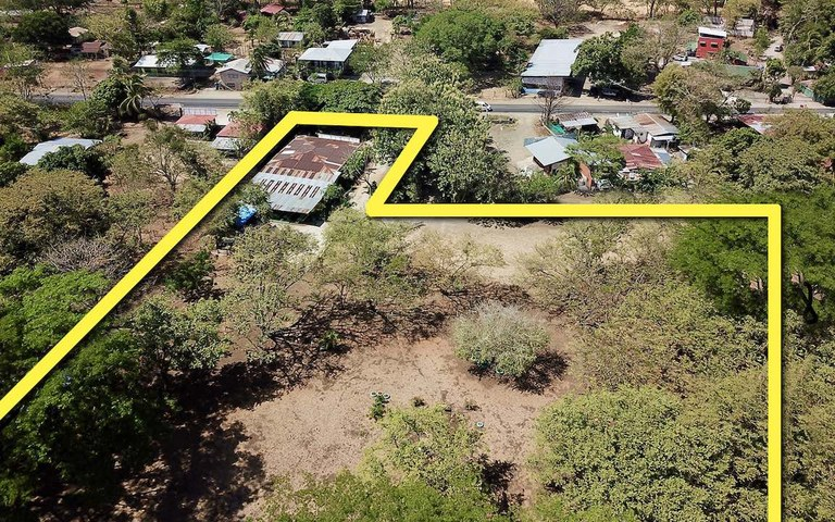 Guardaria Property: 1 Hectare of Road Front Land For Sale w/3BR Home in High Traffic Commercial Area