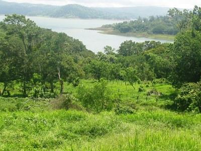 Lake Arenal, Costa Rica, lots B&H03.JPG