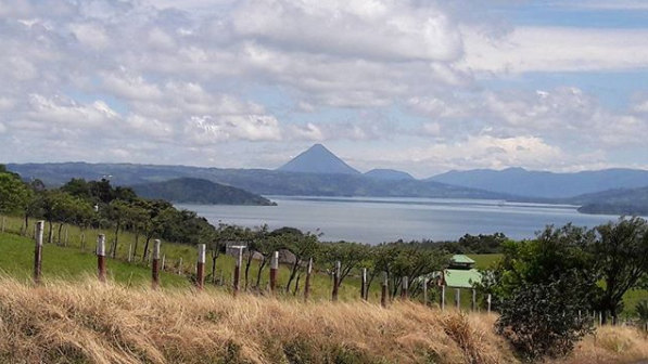 360 degree Views of Lake Arenal, Volcanos Arenal and Tenorio