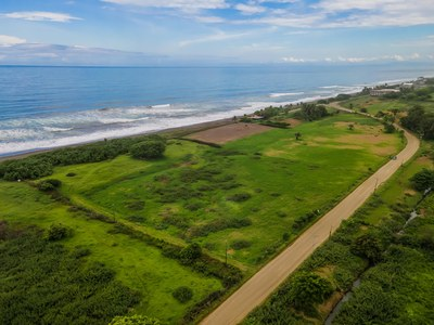 Hermosa Titled Beachfront Land for Sale!