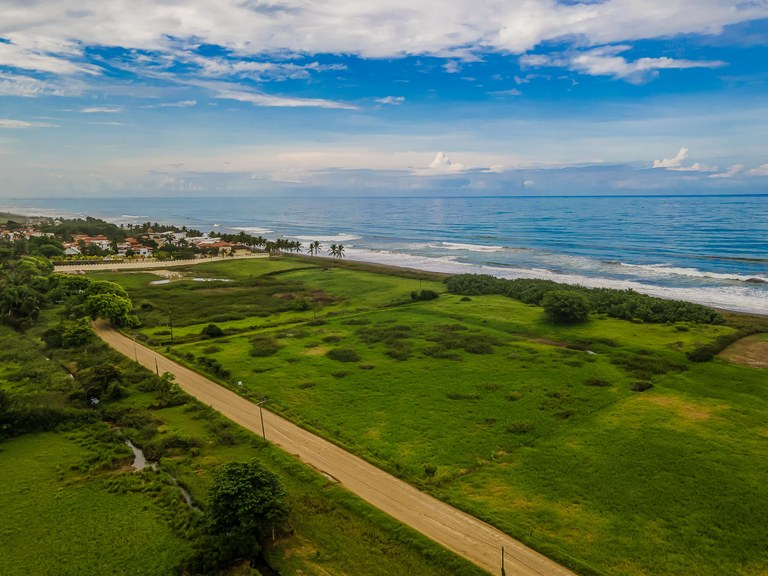 Hermosa: Welcome to the best Titled Beachfront Land deal in Costa Rica.