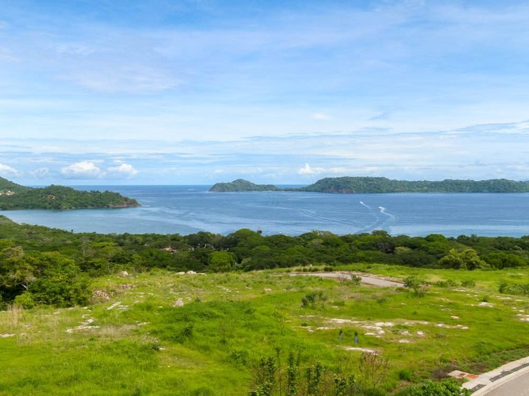 Papagayo Condos  Lot #17: They live in one of the best luxury communities, on the quietest beach in Costa Rica