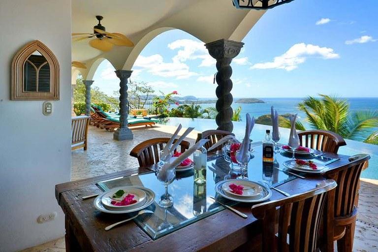 a2450be356f9e Casa Magnifica - Ocean View Pool Terrace Dining. Esta villa con 5  dormitorios y 5 baños se ubica en Playa Potrero ...