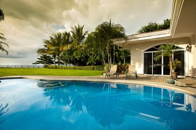 Pool and Outside Seating Area of House for Rent in Potrero, Guanacaste