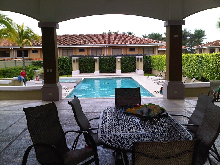 AVALON : Countryside Apartment For Rent in Pozos