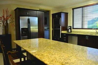 Kitchen w-Granite Counter Tops