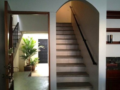 Foyer & Stairs