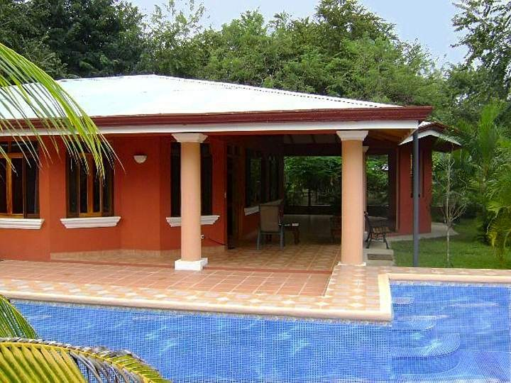 Tranquilo Garden Estates: Country Cottage & Apartment w/Private Pool