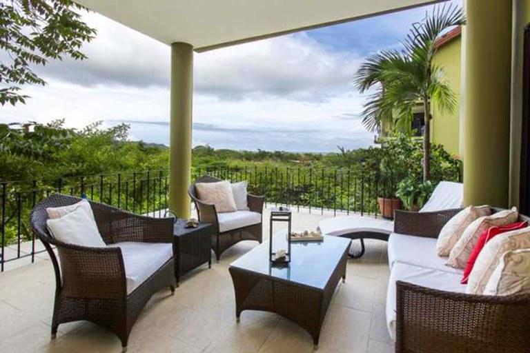 Carao-5-1: Ocean & Mountain View Resort Condo