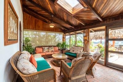 Outside living Area of Flamingo Beach Rental