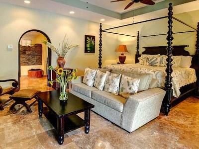 Suite 1 King Bed & Sleeper Sofa