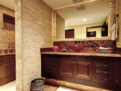 Suite 2 En-Suite Bathroom