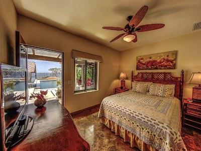 Suite 5 Queen Bed