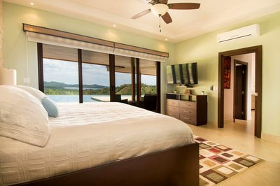 Main House-Master Bedroom