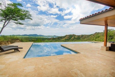 Main House-Panoramic View Pool Terrace