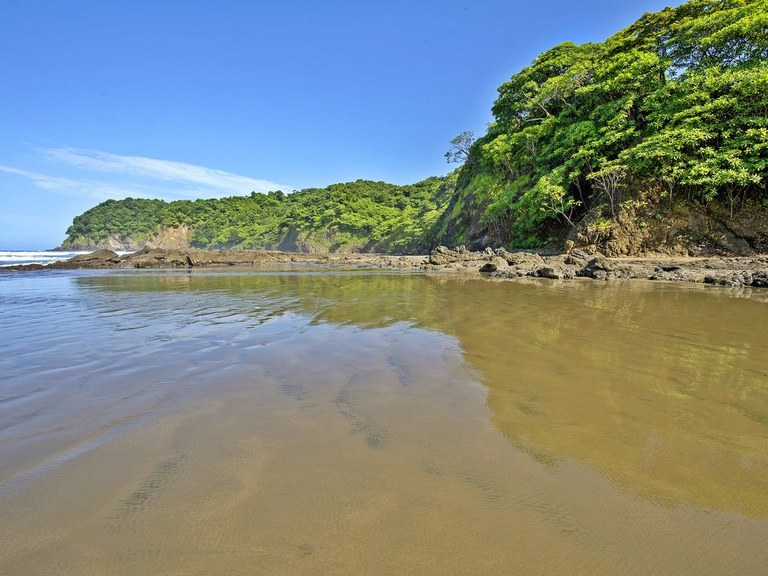 Rent Beach front home in Costa Rica