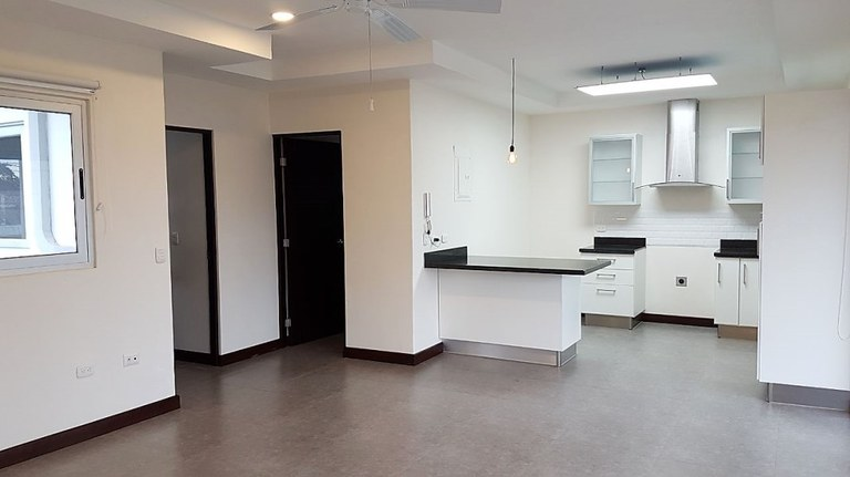 Apartment For Rent in Santa Ana