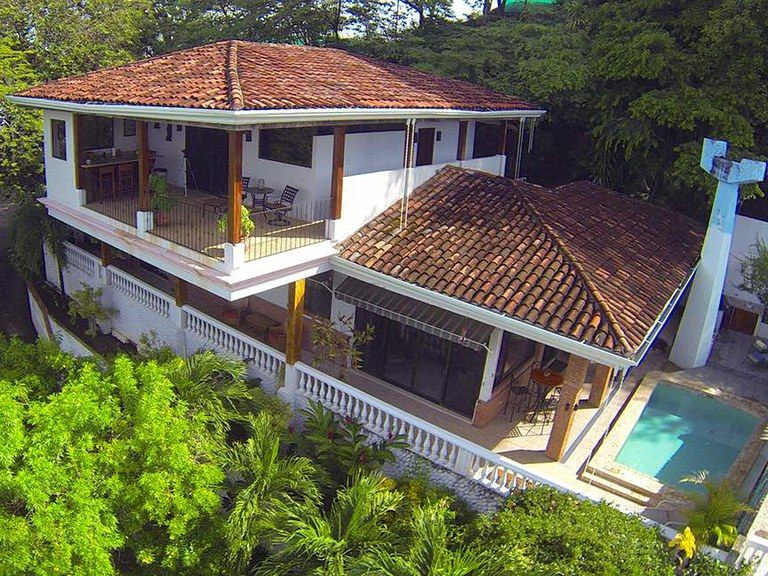 Casa Las Brisas: The Perfect Costa Rica Tropical Beach House