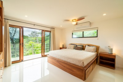 Jungle House Master Bed