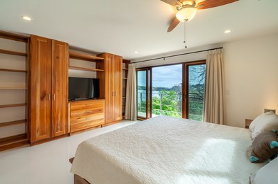 Bed to Ocean View Casa Jungle