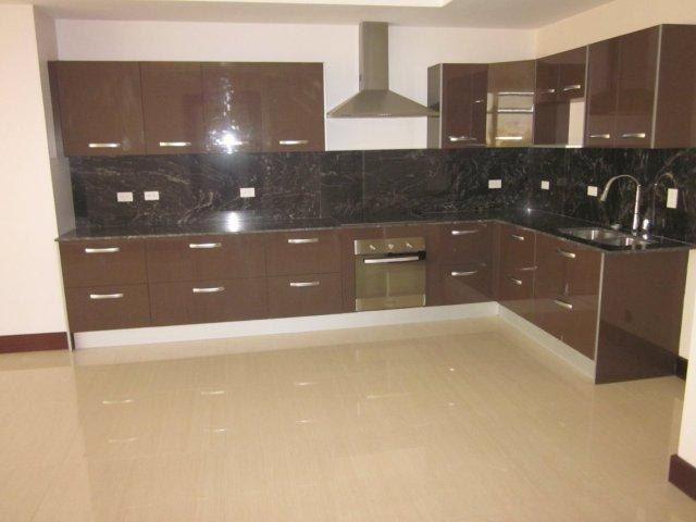 Rent of apartment in tower in front of Sabana Sur