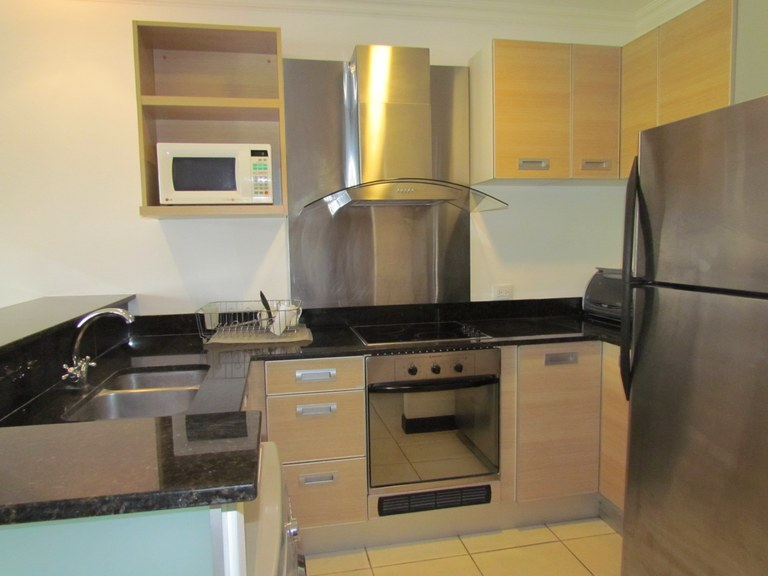 9334: Rent, Avalon Country Club, Santa Ana, 2B, 1B Fully Furnished.