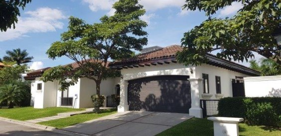 Beautiful and exclusive property in Gated community for rent