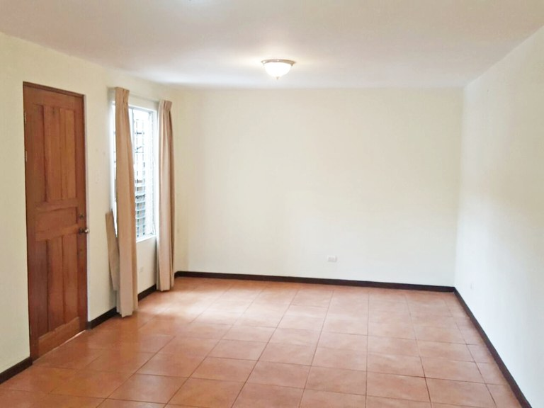 2 bedroom apartamento in second floor for rent Guachipelin Escazu