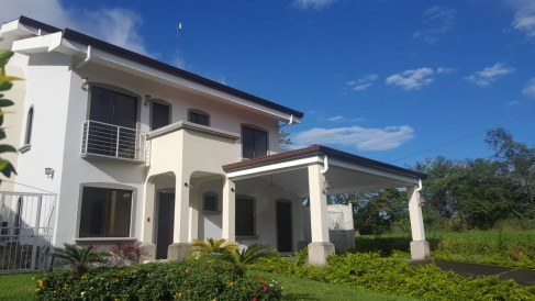 House For Rent in Mata de Platano