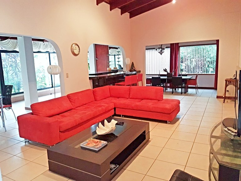 Furnished house for rent one floor 4 bedrooms in Residential Escazu
