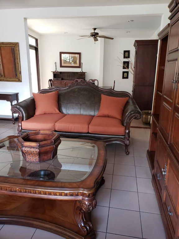 Apartment For Rent in Los Laureles