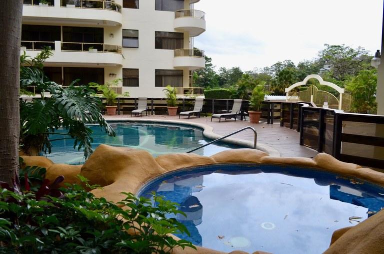 Condominio River Side: Riverfront Apartment For Rent in Escazú