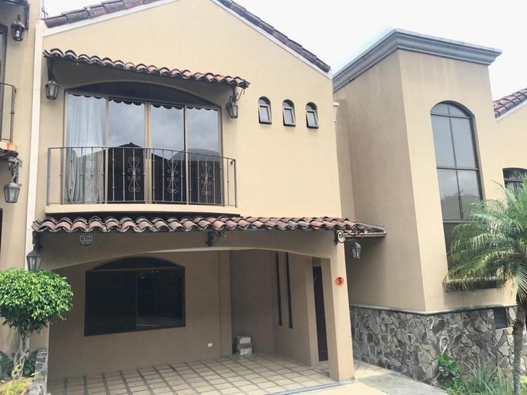House for Rent in Condominium 3 Bedrooms Guachipelin Escazu
