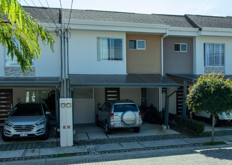House For Rent in Heredia